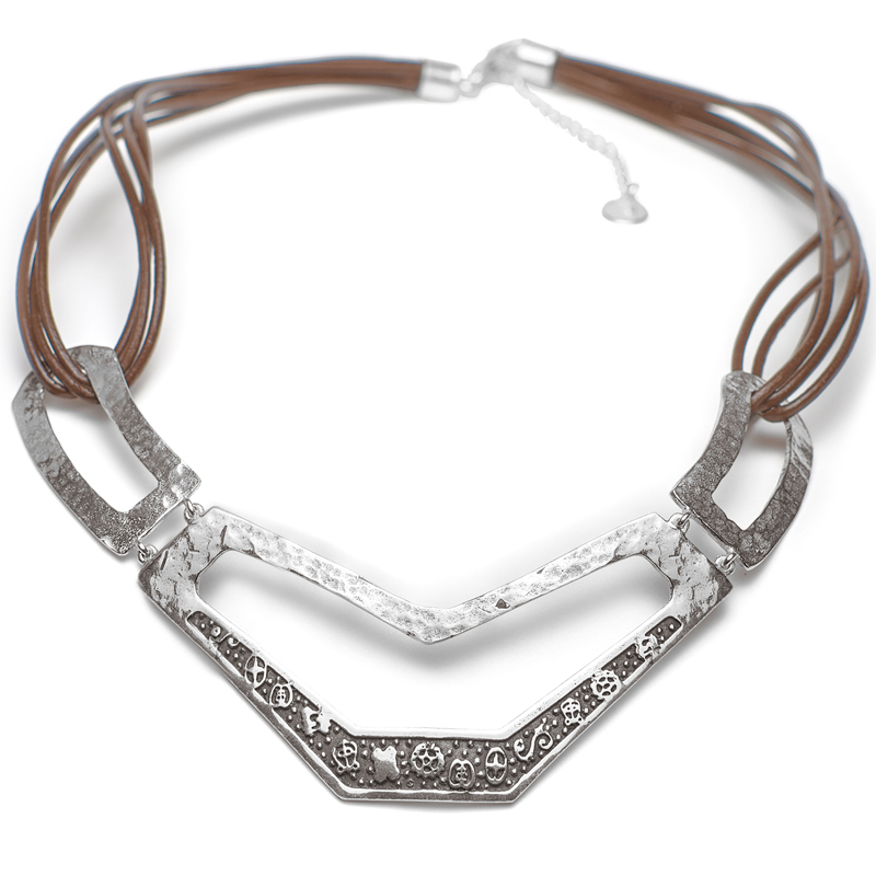 gargantilla-plata-y-cuero-camel-ritual